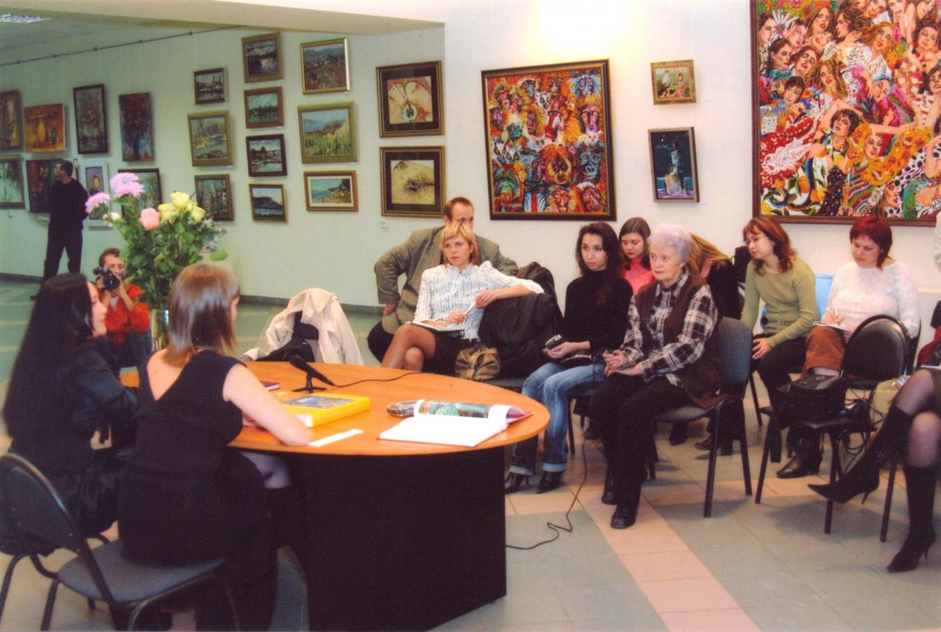 Пресс-конференция в галерее «Вавилон»